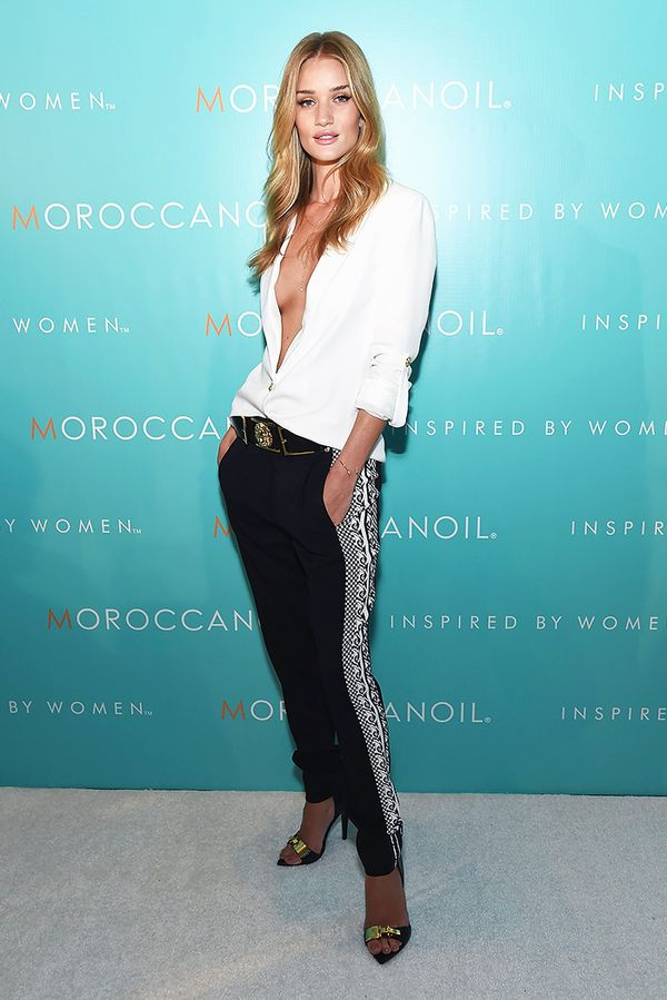 rosie-huntington-whiteley-holiday-outfit-idea