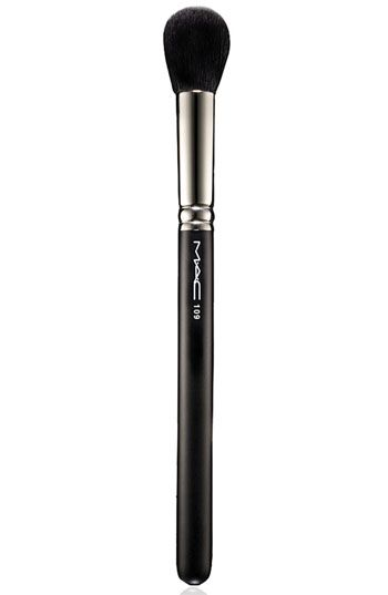 M.A.C. 109 Small Contour Brush