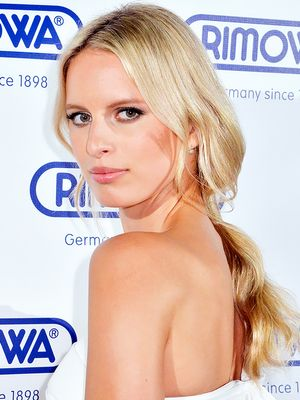 Karolina Kurkova's Relaxed Ponytail, & More Celeb Beauty!