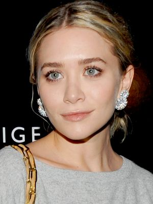 9 Times the Olsens Made Earrings Look Amazing