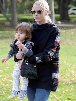 Stylish Sweater Sunday: Jaime King's Textured Knit