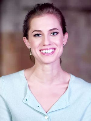 Allison Williams Plays the Word Association Game…With Herself
