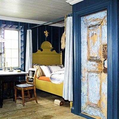 Tour a One-Room Cottage With Rustic Charm