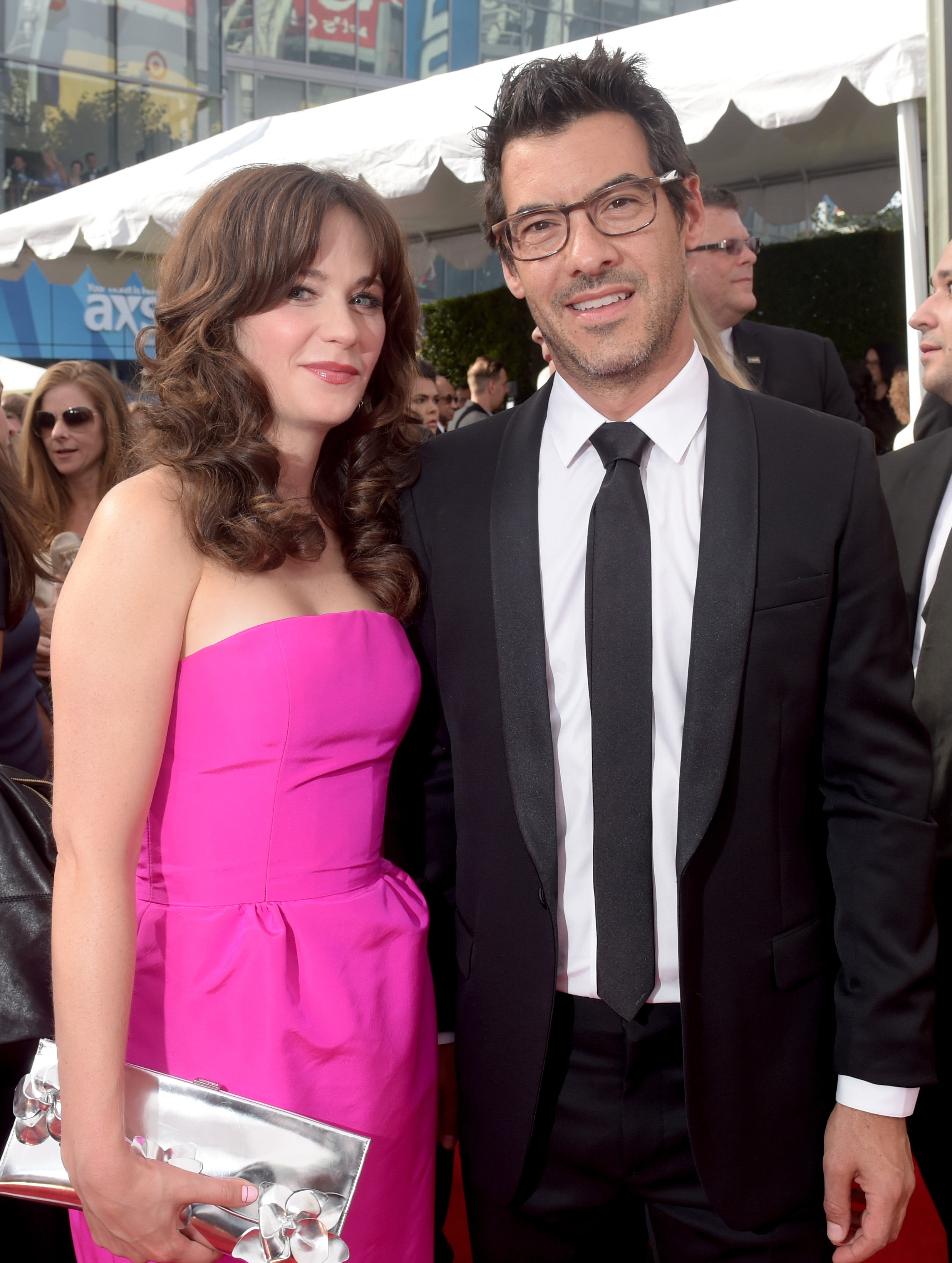 Baby News! Zooey Deschanel Is Pregnant With her First ...