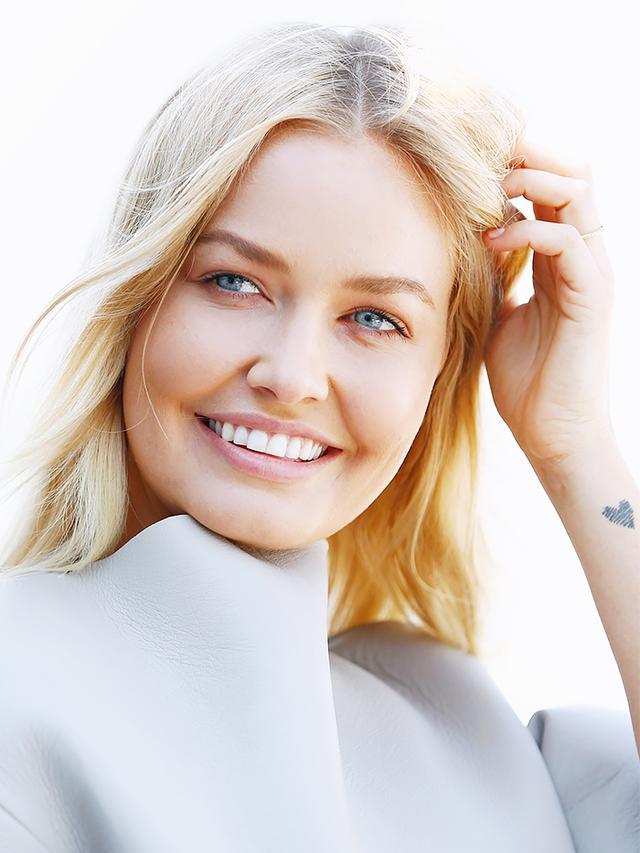 Exclusive Australian Model Lara Bingle On Faux Glowing