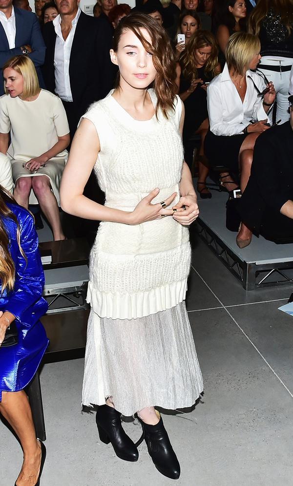 """Rooney Mara, 5'3"""""""