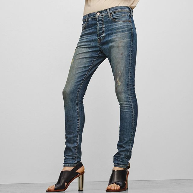 Meet the Newest Denim Silhouette: The Strinny Jean
