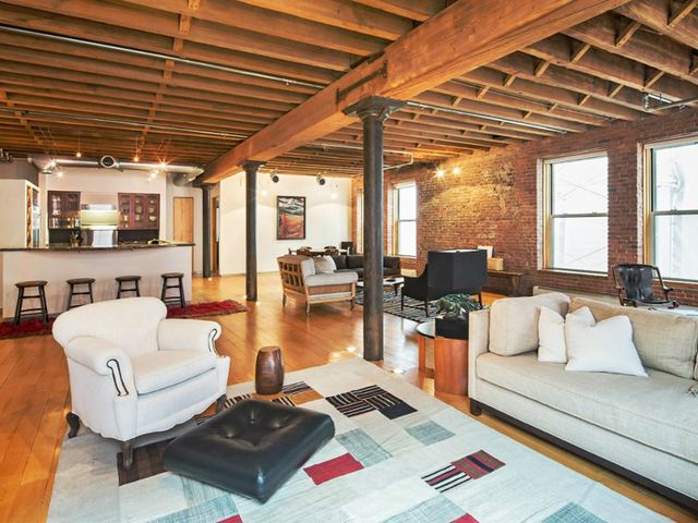 Orlando bloom 39 s industrial tribeca loft is for sale for Tribeca loft for sale