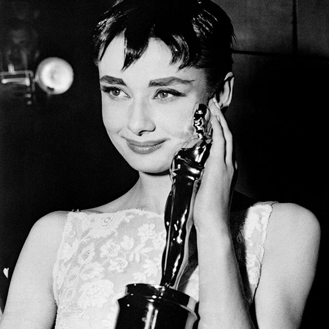 #TBT: Audrey Hepburn Wins An Oscar for 'Roman Holiday'