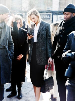 Karlie Kloss Teaches Us a Lesson in Professional Dressing