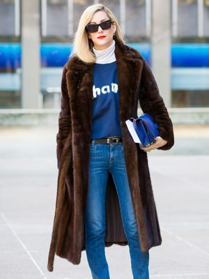 The Fashion Editor Way to Wear a Sweatshirt and Jeans