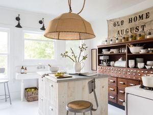 7 Dramatic Country Kitchen Makeovers