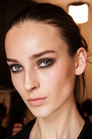 Brown Smokey Eyes And Nude Lips At Diane Von Furstenberg F/W 2015