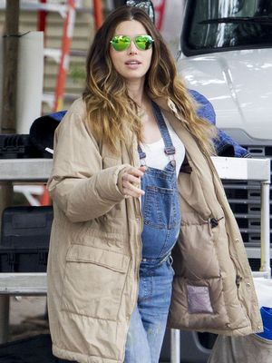 How Cute! Jessica Biel's Casual Maternity Style