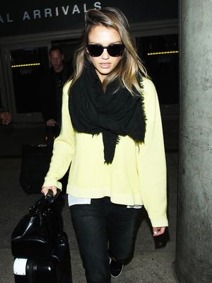 How Jessica Alba, Selena Gomez & Dakota Johnson Ace Airport Style