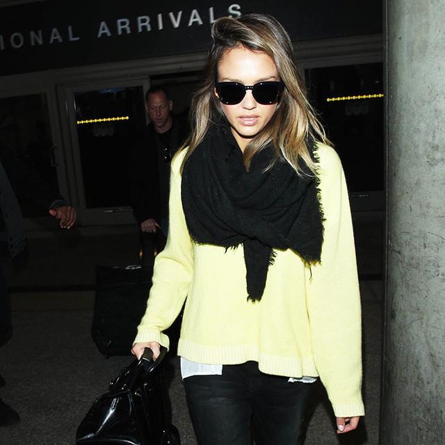 How Jessica Alba, Selena Gomez & Dakota Johnson Ace Airport Style