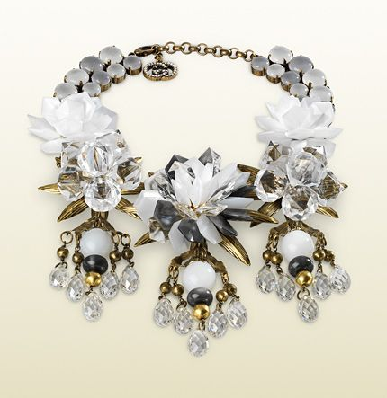 Gucci Necklace With White Flowers Motif