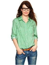 Gap  Gap Fitted Boyfriend Print Shirt
