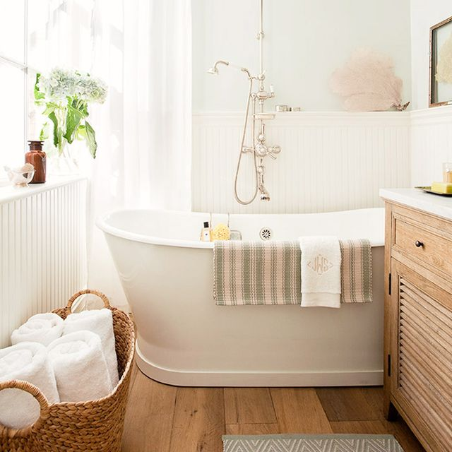 5 Divine Bathrooms With Freestanding Tubs