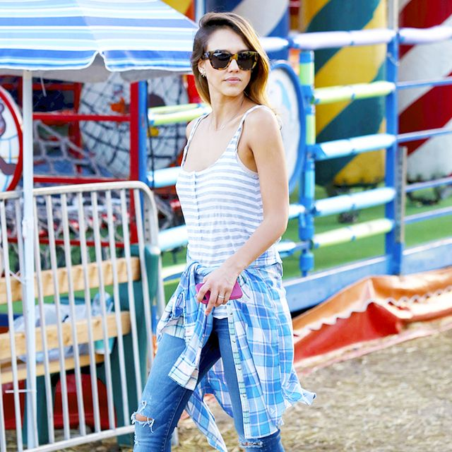 The Foolproof Mom Wardrobe: A Jessica Alba Case Study