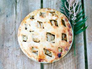 Lauren Conrad Shares Her Wedding Day Apple Pie Recipe