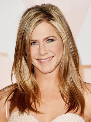 Jennifer Aniston Shares Her 6 Beauty Secrets With Us