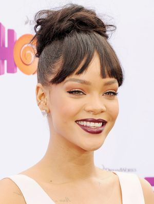 Whoa—Did Rihanna Just Start a New Brow Trend?