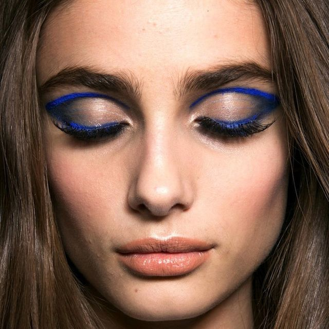 Beauty Trend: 10 Daring Blue Eye Looks