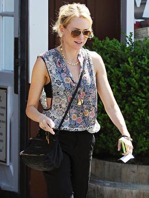 Naomi Watts Stays Cool in LA Heat Wave with Effortless Look