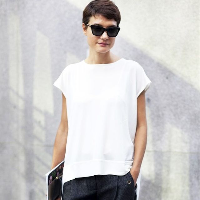 This Minimal Chic Street Style Look Is a No-Brainer For Work