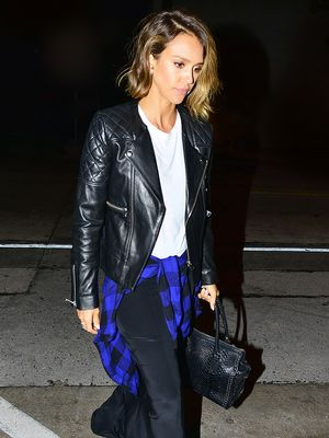 How to Recreate Jessica Alba's Date Night Look in 5 Easy Steps