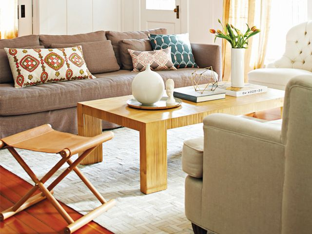 Inside the preppy home of serena lily 39 s founder mydomaine for Serena and lily coupons