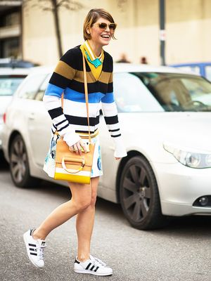 Want to Look Like a Fashion Girl? All You Need Are These Sneakers