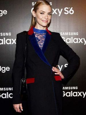 Shop the Affordable Sweater Jaime King Borrowed from BFF Taylor Swift
