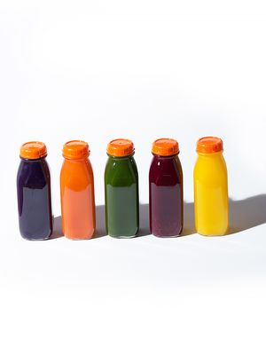 News Flash: Juicing and Alcohol Have the Same Effect on Your Body