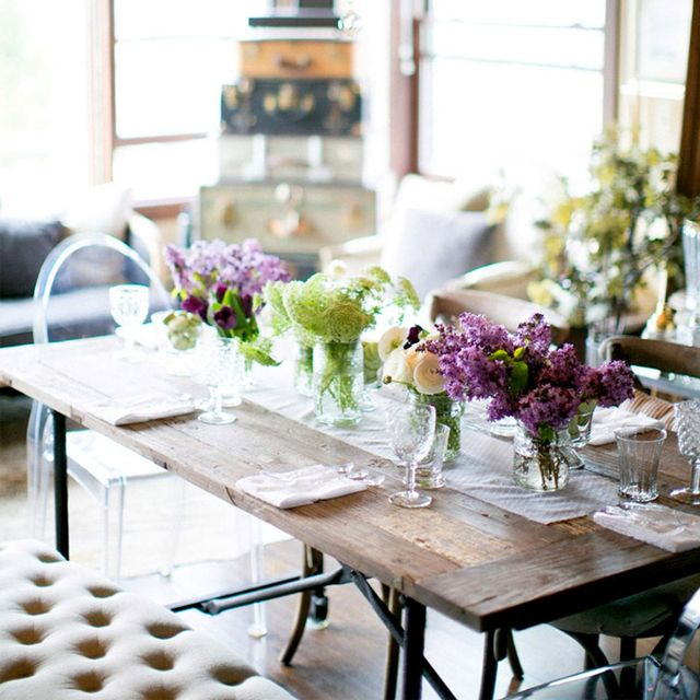 5 Easy Steps to Becoming a Better Hostess