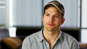 Ashton Kutcher Gave His Mom One Helluva Mother's Day Gift