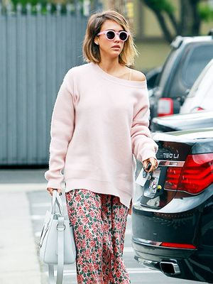 Jessica Alba is Pretty in Head-to-Toe Pink