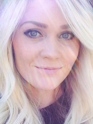 A 27-Year-Old's Graphic Selfie Will Make You Never Use Tanning Beds Again
