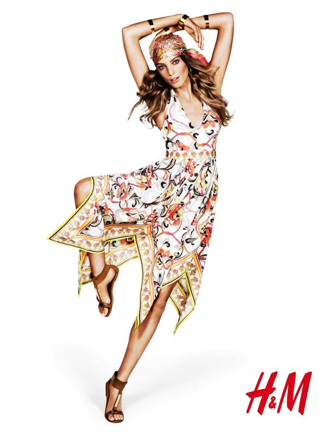Whoa: H&M Is Offering Five Weeks' Vacation Time