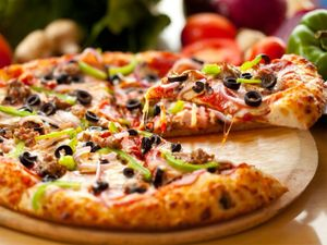 You Can Now Tweet-a-Pizza With Emoji, Thanks to Domino's