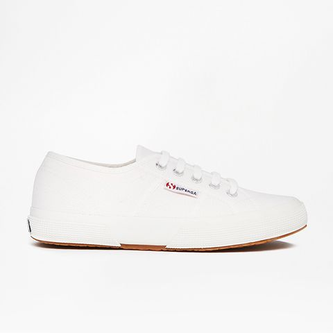 2750 Classic White Plimsoll Trainers