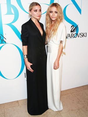 7 Really Old Olsen Twin Outfits That Are Still Somehow on Trend