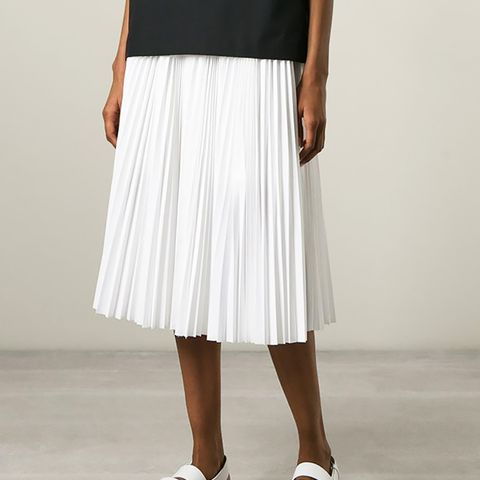 Open Slit Pleated Skirt