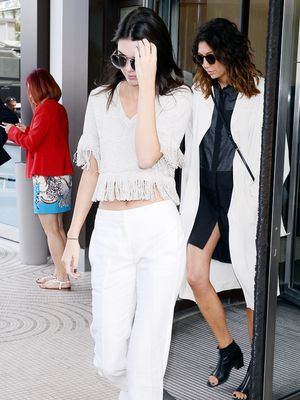 Kendall Jenner Looks Effortlessly Cool in Head-to-Toe White