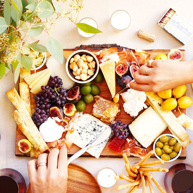 How to Assemble the Perfect Cheese Plate