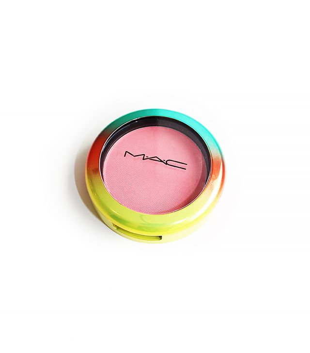 Reviewed: MAC Wash & Dry Powder Blush in Hipness