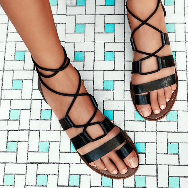 #TuesdayShoesday: Shop Our Favorite Flat Black Sandals