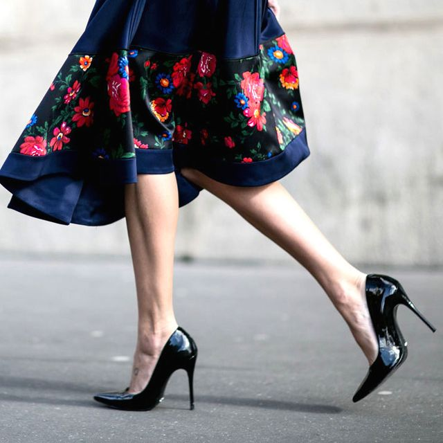 How to Tell If You Can Walk in a Pair of Heels: The 1-Inch Test