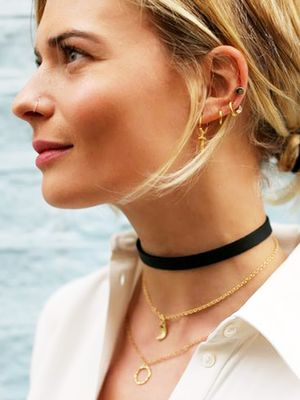 The $0 Accessory Your Favorite It Girls Wear
